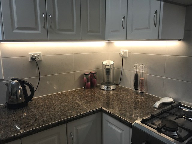 How many types of under cabinet light?